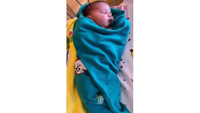 Бебе гигант се роди в Пловдив, тежи 4, 7 кг