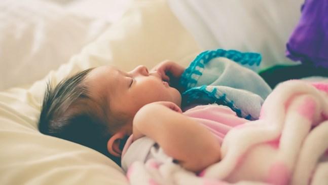 Как да изградим рутина за сън на бебето