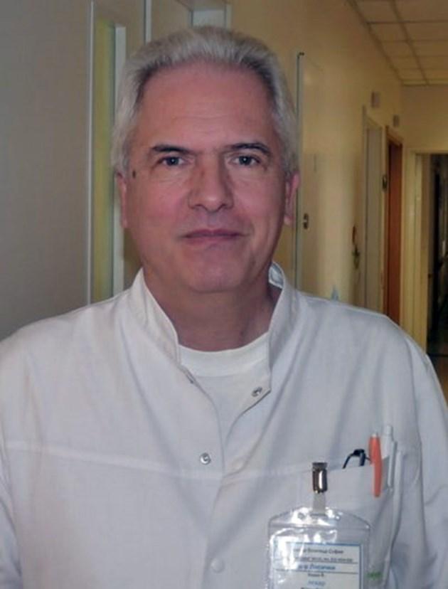 """Д-р Калин Лисички, директор на катедра """"Педиатрия"""": Бебета вече умират от коронавирус"""