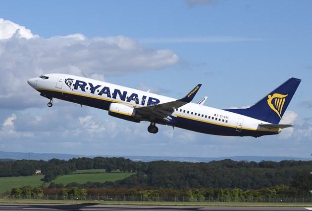 Ryanair спира полетите до юни