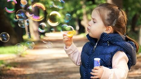 Мария Момирова: Децата се раждат съвършени, а ние цял живот ги разваляме