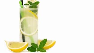 Без корем и с прибрани бедра за 7 дни с лимонов сок