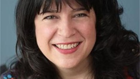 """Авторката на """"Петдесет нюанса"""" издава нов еротичен роман"""