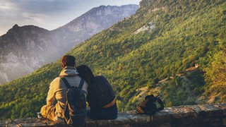 Трябва ли да сме влюбени, за да имаме здравословен брак?