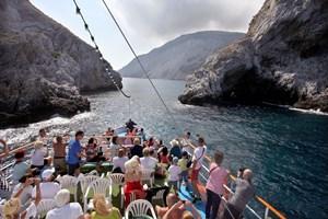 """С кораба """"Елизабет"""" на капитан Костас към Алонисос"""