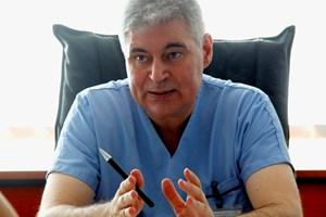 Д-р РУМЕН ВЕЛЕВ
