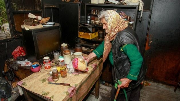 Самотни пенсионери замръзват до смърт