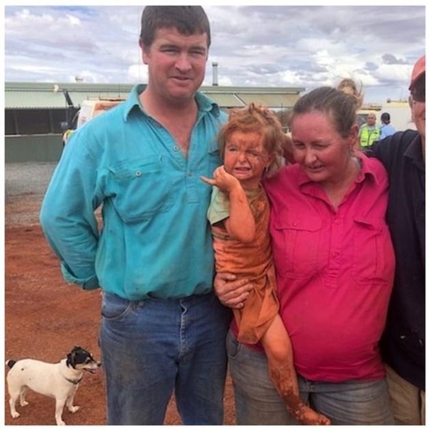 Откриха живи дете и куче 24 часа след като изчезнаха в наводненията в Австралия