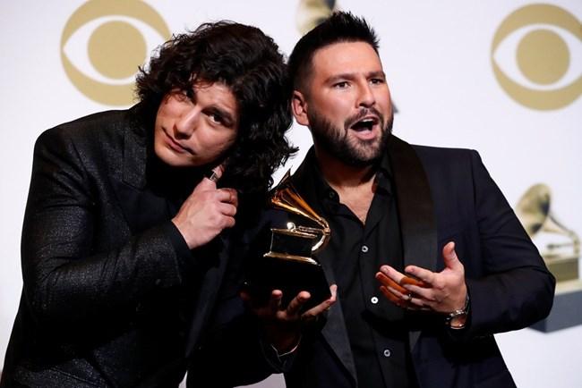 Дан + Шей взеха награда за най-добър кънтри дует.