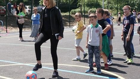 """""""Практикер"""" подари спортна площадка на децата от столичния квартал """"Дружба"""""""
