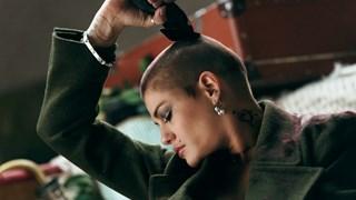 Жана Бергендорф се подстрига до кожа (видео)