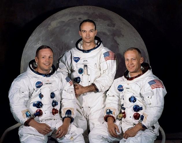 Честват се 50 години от кацането на Луната Честито, г-н Липински, получавате орален секс