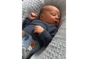 Вторият внук Ноел се роди само преди месец.