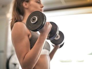 Колко често трябва да се храним за оптимални резултати при покачване на мускулна маса?