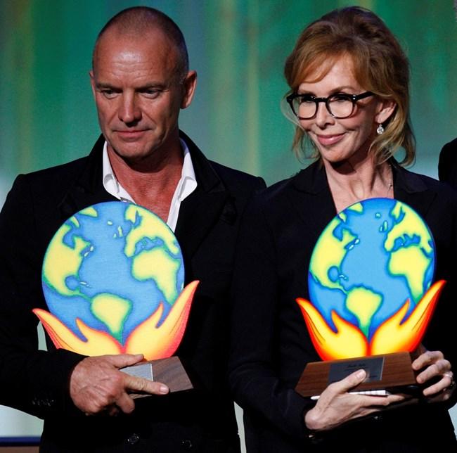 Стинг и съпругата му са носители на миналогодишната награда Clinton Global Citizen Award