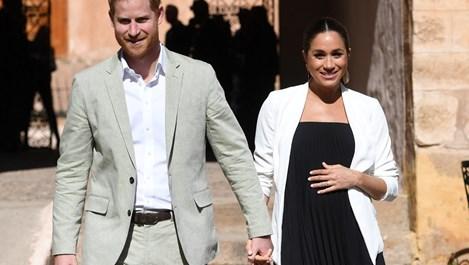 Британците очакват до дни раждането на бебето на Меган и Хари (Снимки)