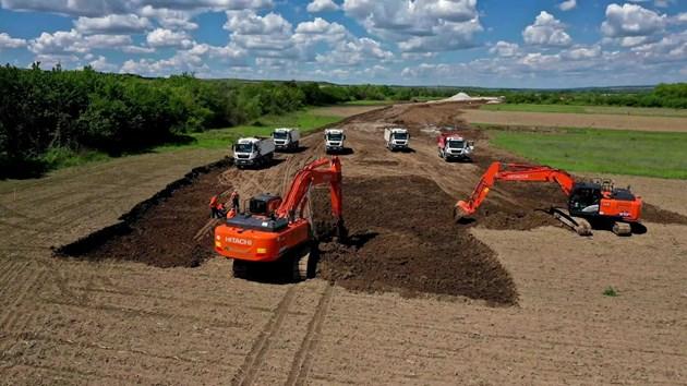 """""""Автомагистрали"""" има 381 служители на трудов договор и 355 машини"""