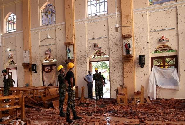 Здравният министър на Шри Ланка: Местна ислямистка групировка стои зад атентатите