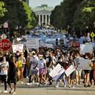 Служители на Ройтерс са ранени по време на протестите в Минеаполис (Снимки)
