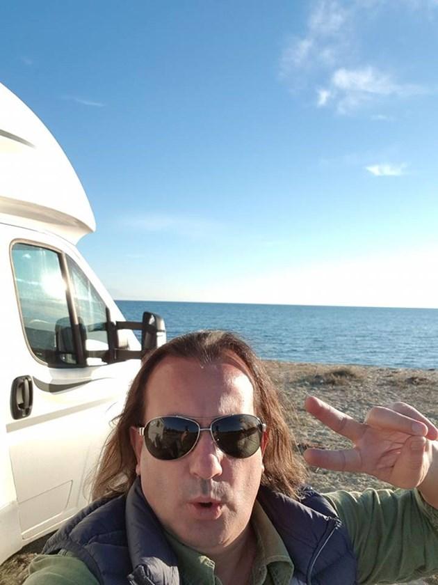 "Музикантът Дани Милев на 50:  ""Биг брадър"" ми купи кемпер"