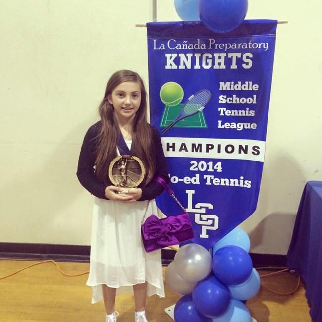 Бриана тренира тенис от малка и продължава образованието си в гимназията с любимия спорт.