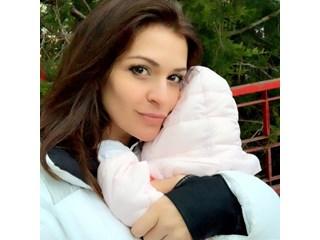 Преслава показа снимка с бебето си