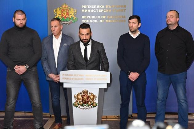 """Феновете на """"Левски"""" при премиера:Зад ръководството сме!"""