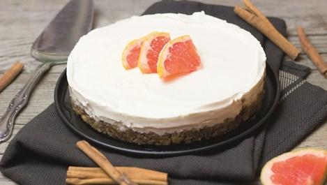 Торта с фурми и ядки