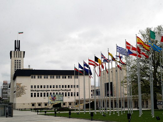 Защо контролът над губещия Пловдивски панаир зависи от Варна