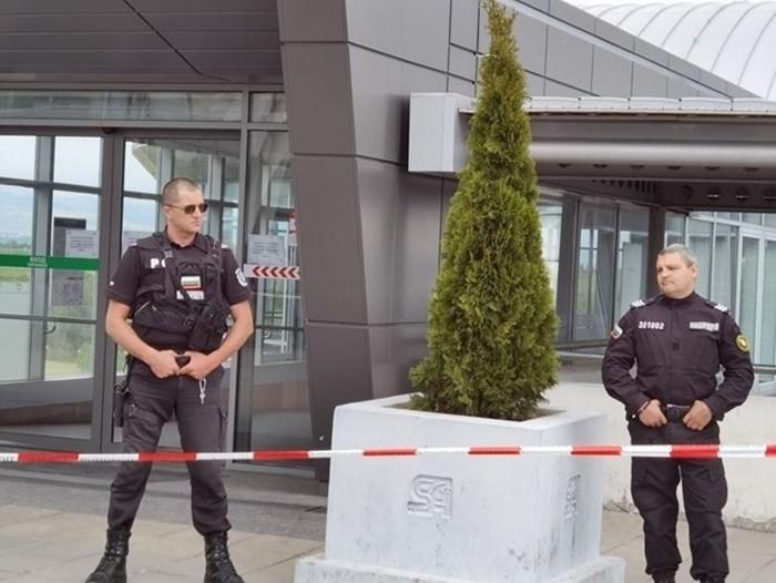 Влакчетата до последната метростанция на летището бяха спрени днес заради инцидент СНИМКА: Йордан Симеонов