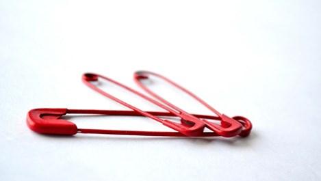 Необичайни употреби на безопасната игла в домакинството