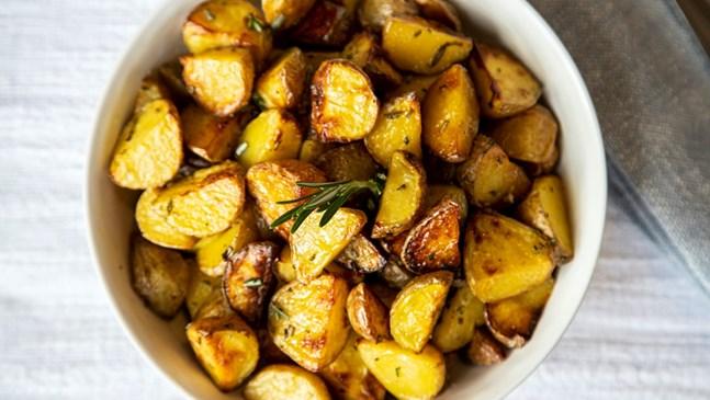Ароматни картофи с мащерка