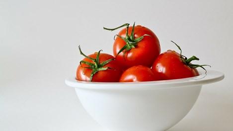 Здравословни състояния, при които яденето на домати може да е опасно