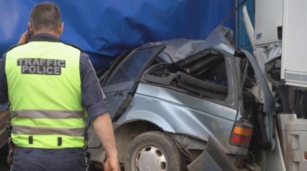 Тежка катастрофа между кола и два тира на пътя Монтана – Видин, трима са загинали