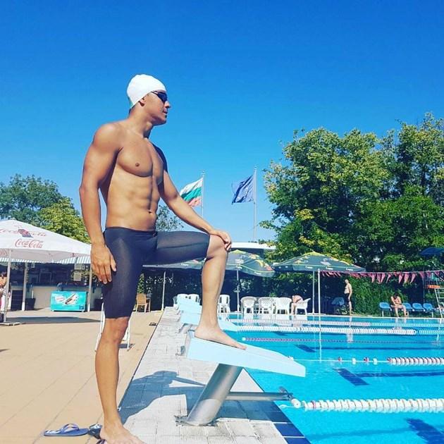 Бургазлията, който ще пори водата 12 часа: Плувам по-бързо от риба!