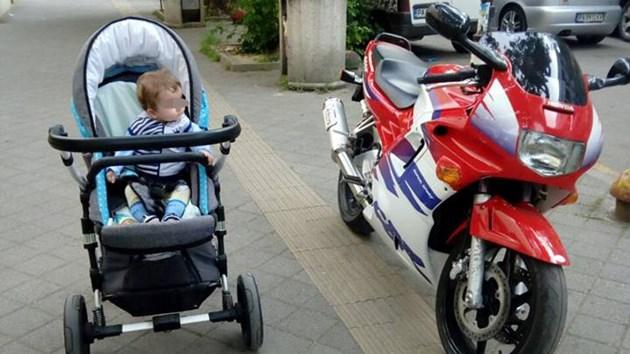 Бебе, родено в самолета, ще става космонавт