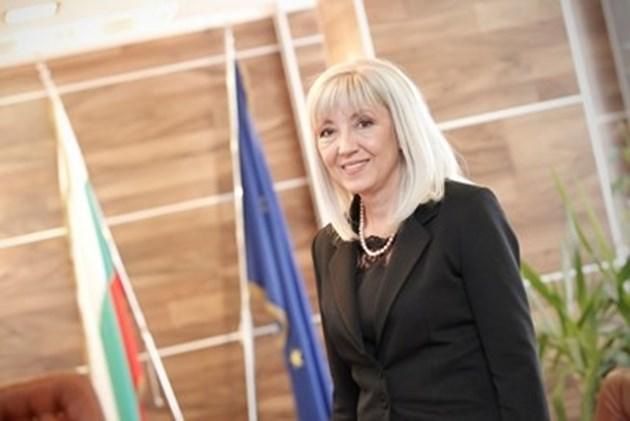 Аврамова увери: Ще има магистрала Русе - Велико Търново