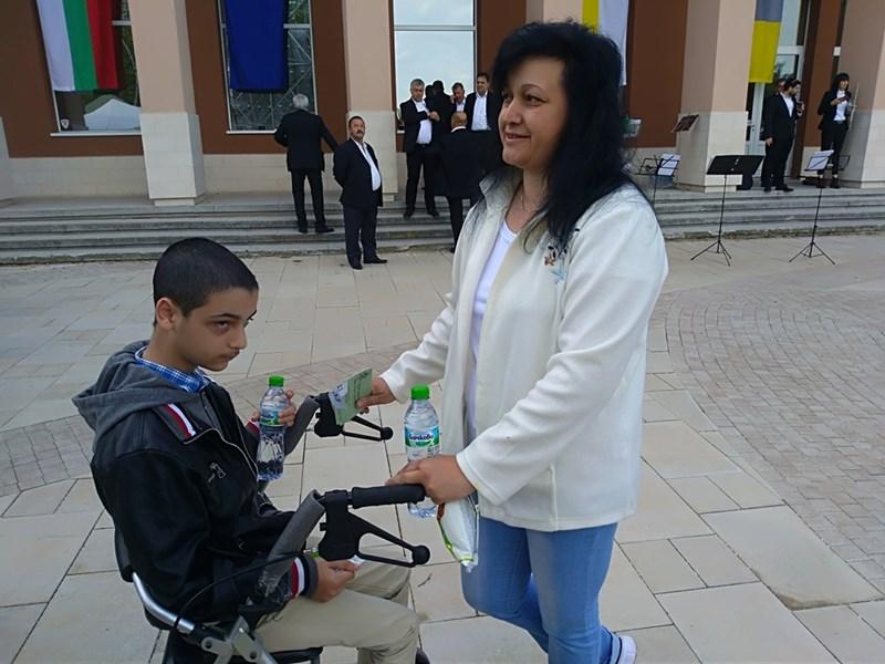 Майки с болни деца чакат чудеса в Раковски | 24Zdrave.bg - photo#23