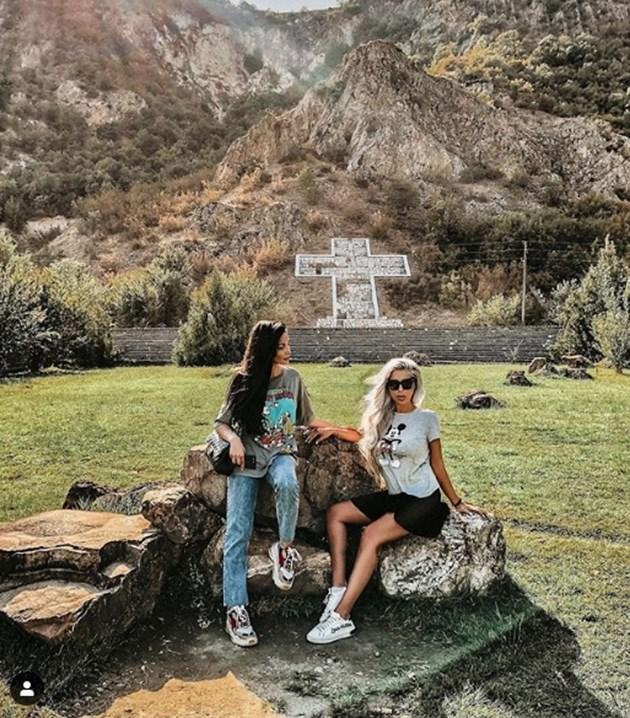 Моника и Андреа търсят помощ от Ванга