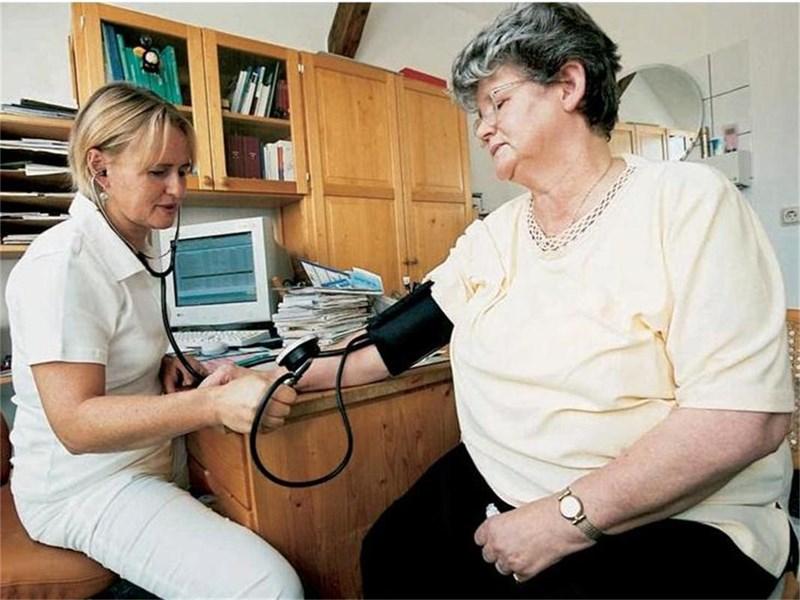 Високото кръвно трябва да се контролира, защото е риск за инфаркти и инсулти.