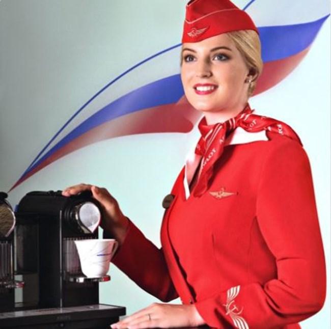 Стюардеса на руският национален превозвач Aeroflot Снимки: Инстаграм и Туитър