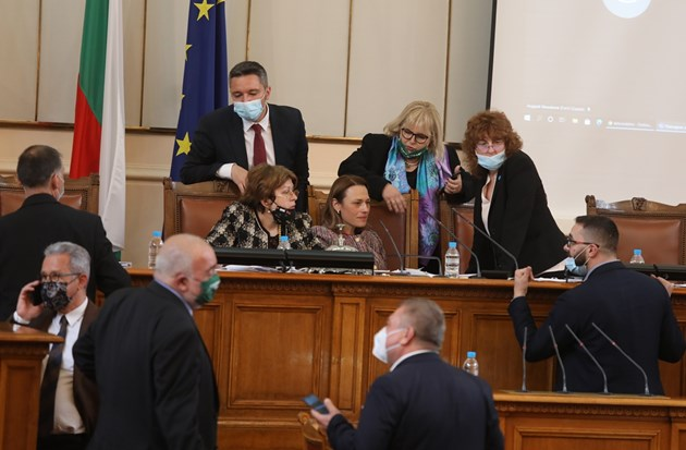 И 12-те млрд. лева за България от ЕС не събраха нови и стари политици