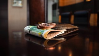 Пренасят ли парите вируса?