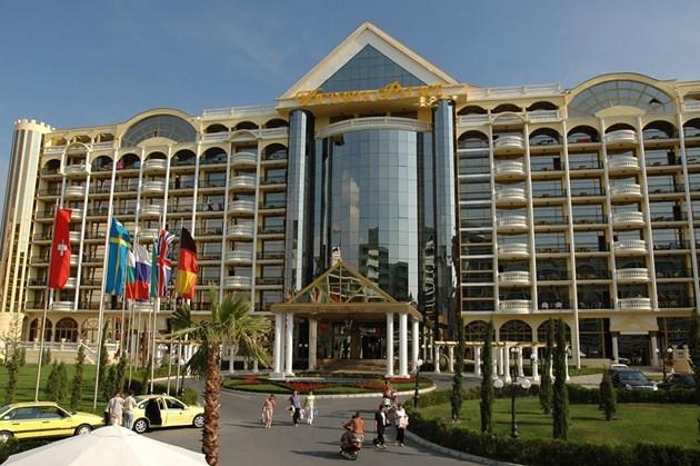 """За 50 млн. Ветко продаде хотел """"Виктория Палас"""""""