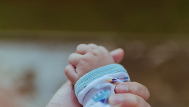 Крайниците на новороденото са студени - да се тревожа ли?