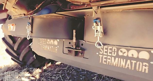 SEED TERMINATOR се монтира на зърнокомбайни и рязко намалява количеството семена от плевели