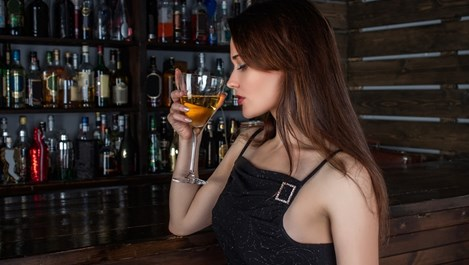 Пийте с приятели, по-полезно е