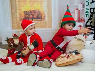 Джуджета на Дядо Коледа - Йоан и Марио (Снимки)