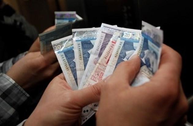 Служители, ангажирани с COVID, ще получат увеличение на заплатите