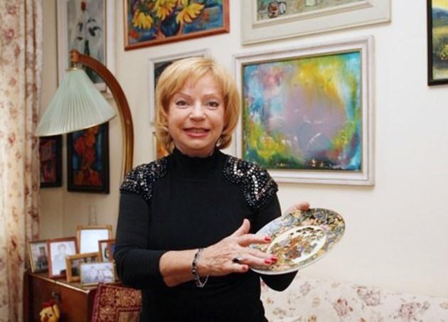 """Тв говорителката Мария Янакиева с приз """"Национална гордост"""": Заради пръдня в ефир наказаха екипа ни"""